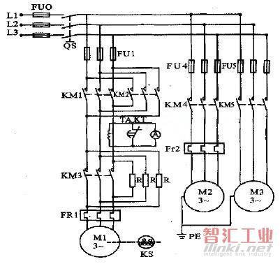利用一时间继电器kt的延时动合触点,在起动的短时间内将电流表暂时